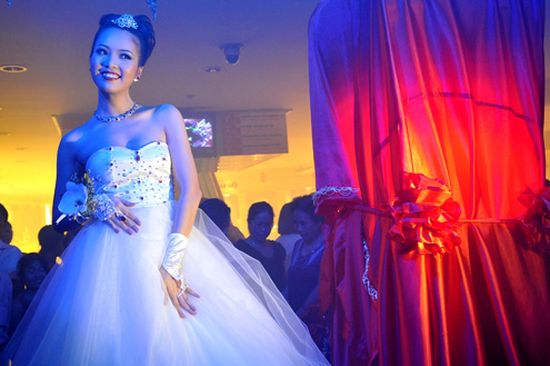vietnam1 - Najdroższe suknie ślubne świata