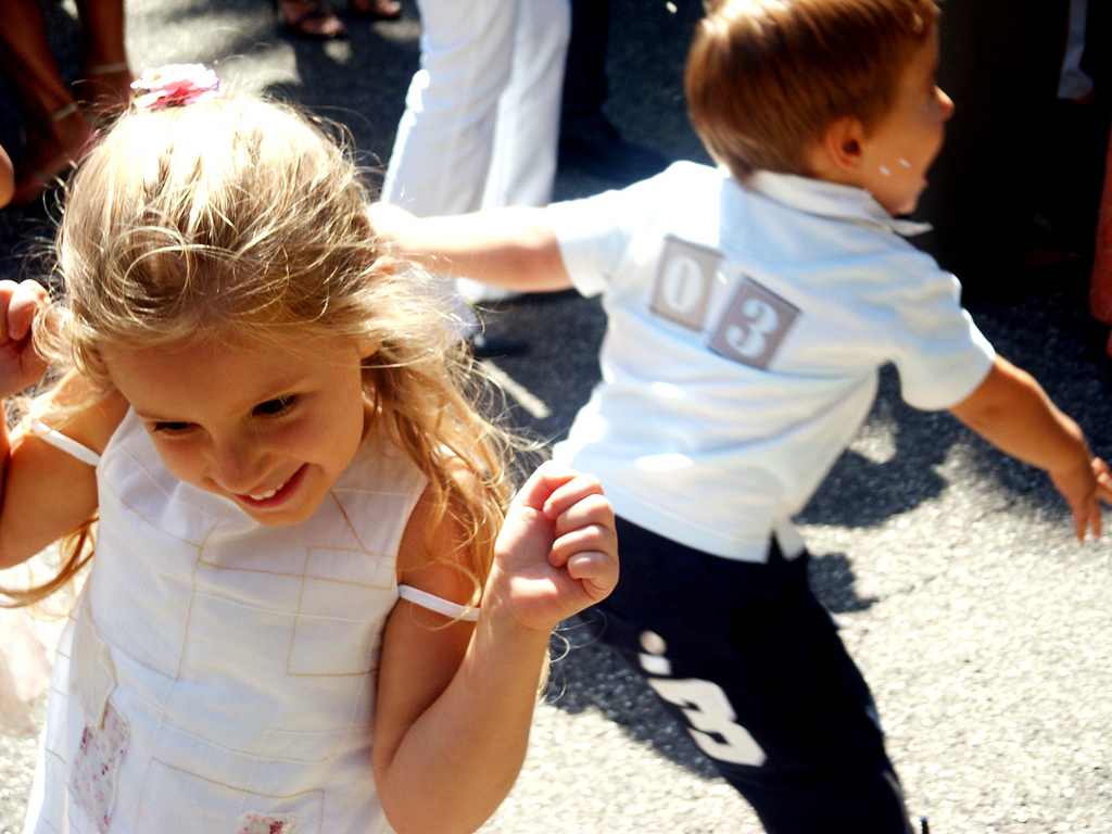 238573299 23c7af6992 b - Zabawy dla dzieci na przyjęciu weselnym