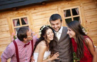 Jak wybrać świadkową na ślub?