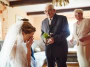 Błogosławieństwo Pary Młodej przez rodziców przed ślubem