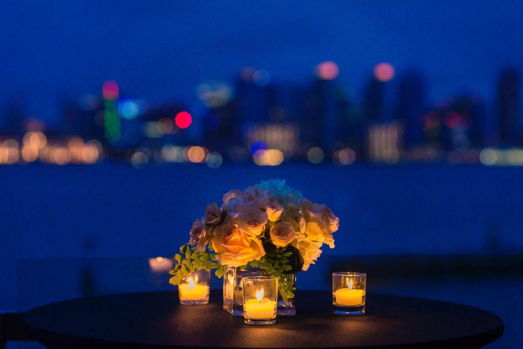 kolacja przy świecach na rocznicę ślubu