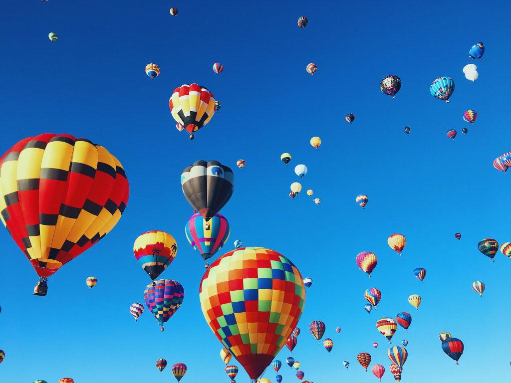 lot balonem - prezenty na rocznicę ślubu