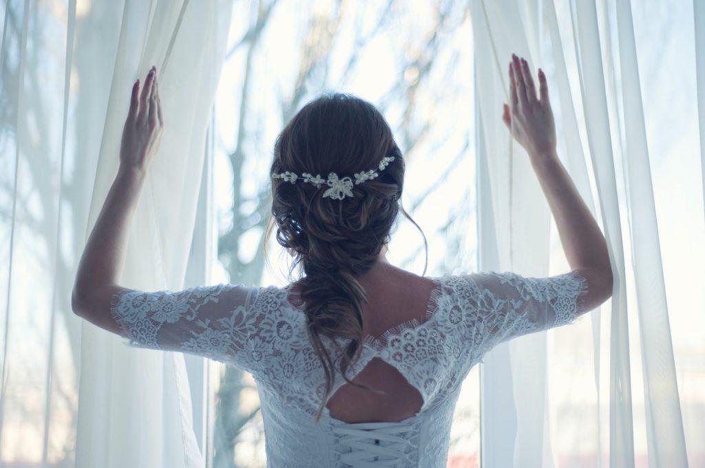 Niepowtarzalne modele sukien ślubnych dla odważnych kobiet